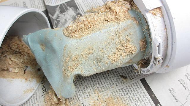 大鋸屑を食べるマキタクリーナー