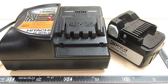 日立工機 14.4V-充電器とバッテリー