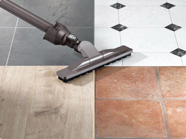 固い床面の掃除が得意