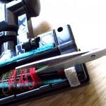 ハサミで糸を切る方法j