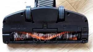 ブラシに絡まった糸や髪