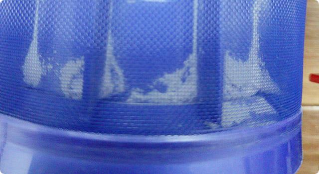 ダイソンのシュラウド(メッシュ部分)内部に付着したゴミを取る方法
