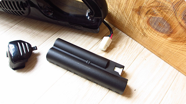 マキタの「4075DW」と「CL103DX」のバッテリー交換方法