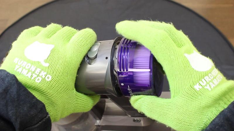 v8 slim Fluffy ポストモーターフィルターの取り外し方